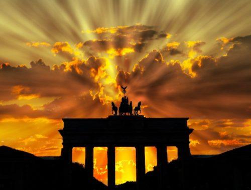 brama brandenburska zachód słońca