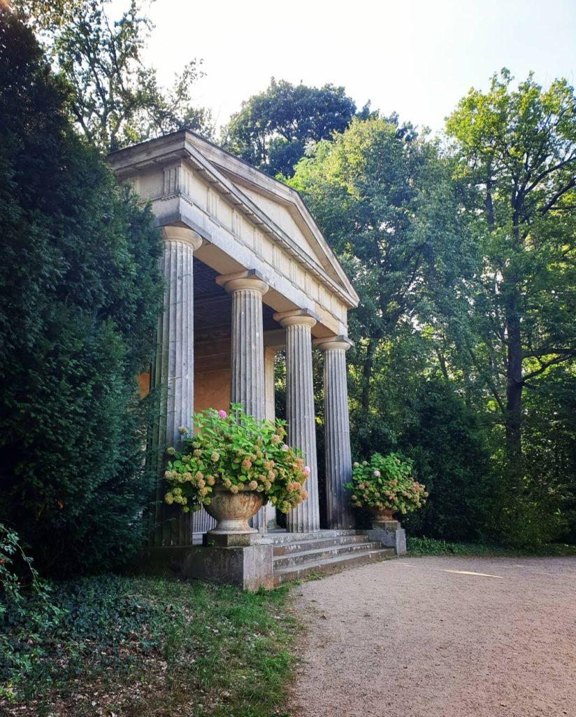 świątynia na pawiej wyspie w berlinie