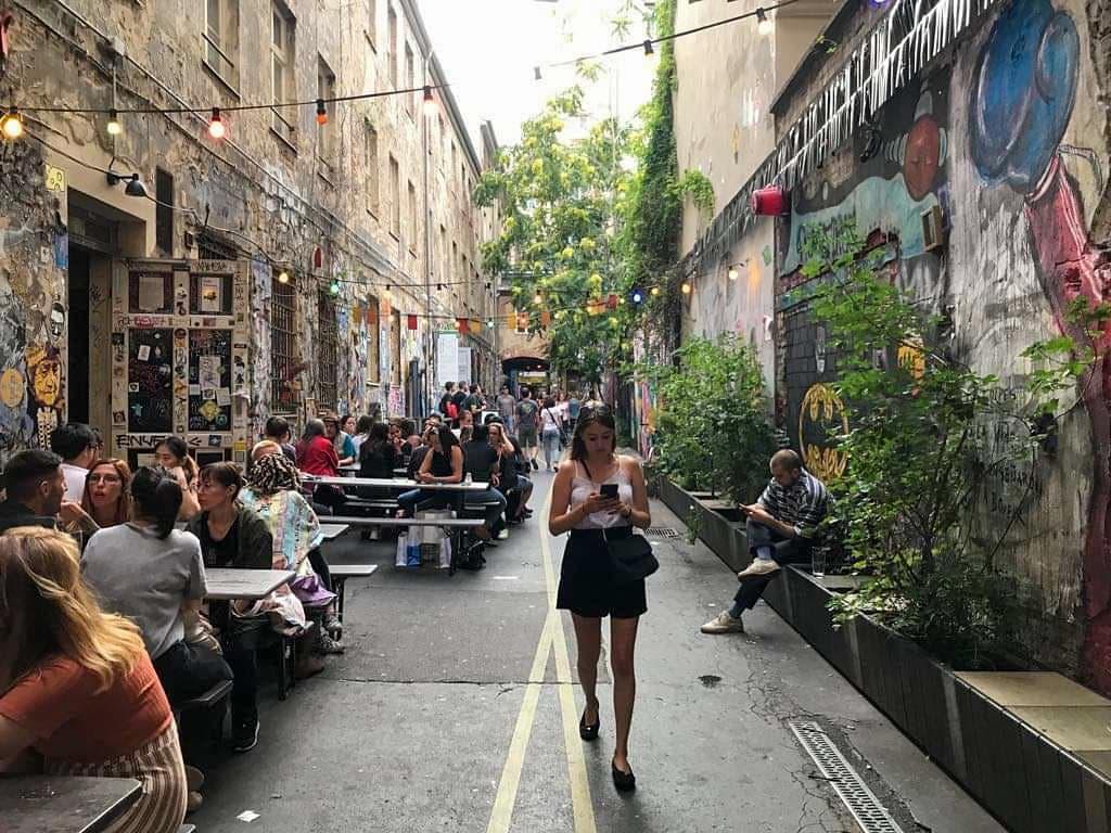 dead chicken alley berlin mitte